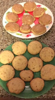 iced and un iced maple bacon cookies 1