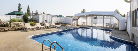 red roof inn maryville - clean cheap updated hotel in maryville MO - outdoor pool carousel