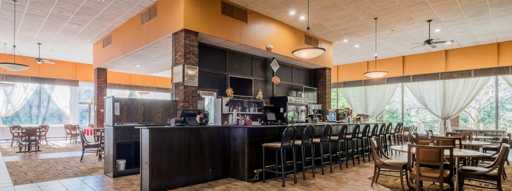 red roof inn and suites owego - clean cheap renovated hotel in owego NY - restaurant carousel.jpg